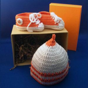 Sneakers+mutsje, oranje-wit 1